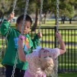 I 10 consigli utili per una giornata al parco con i bambini: ecco come sopravvivere